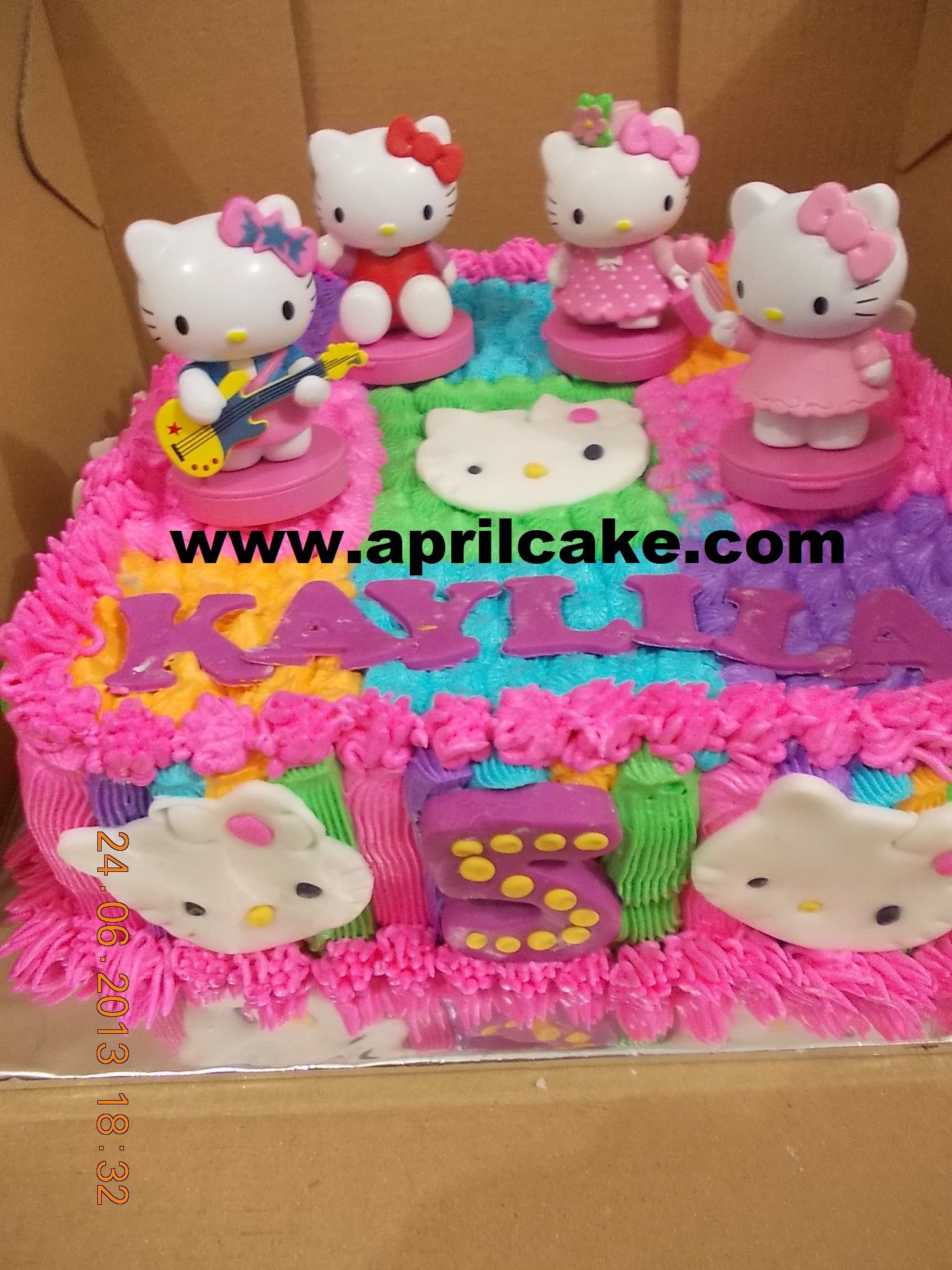 Hello Kitty Cake Kaylila