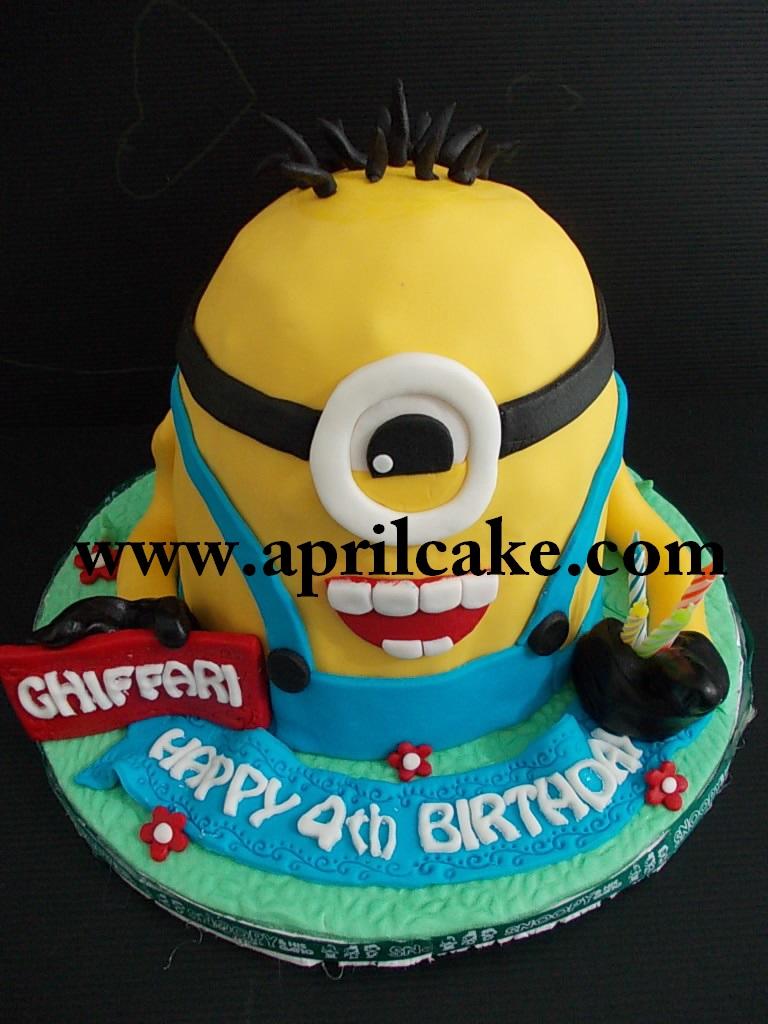Minion cake Ghiffari