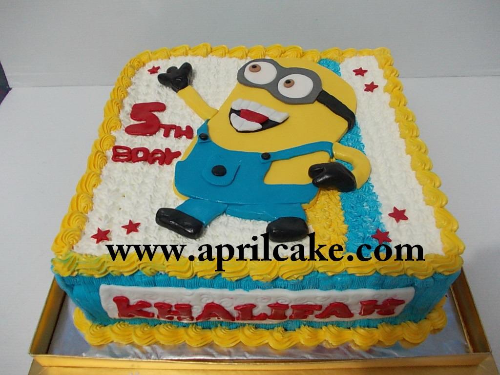 Minion Cake Khalifah