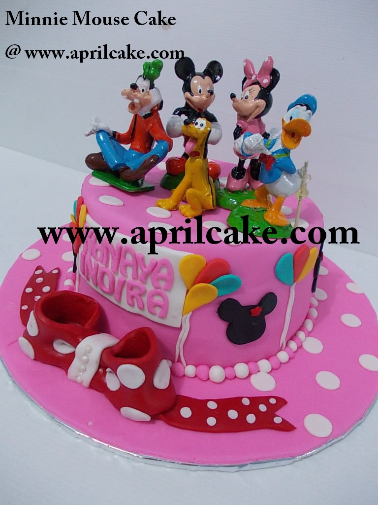 Minnie Mouse Cake Kanaya