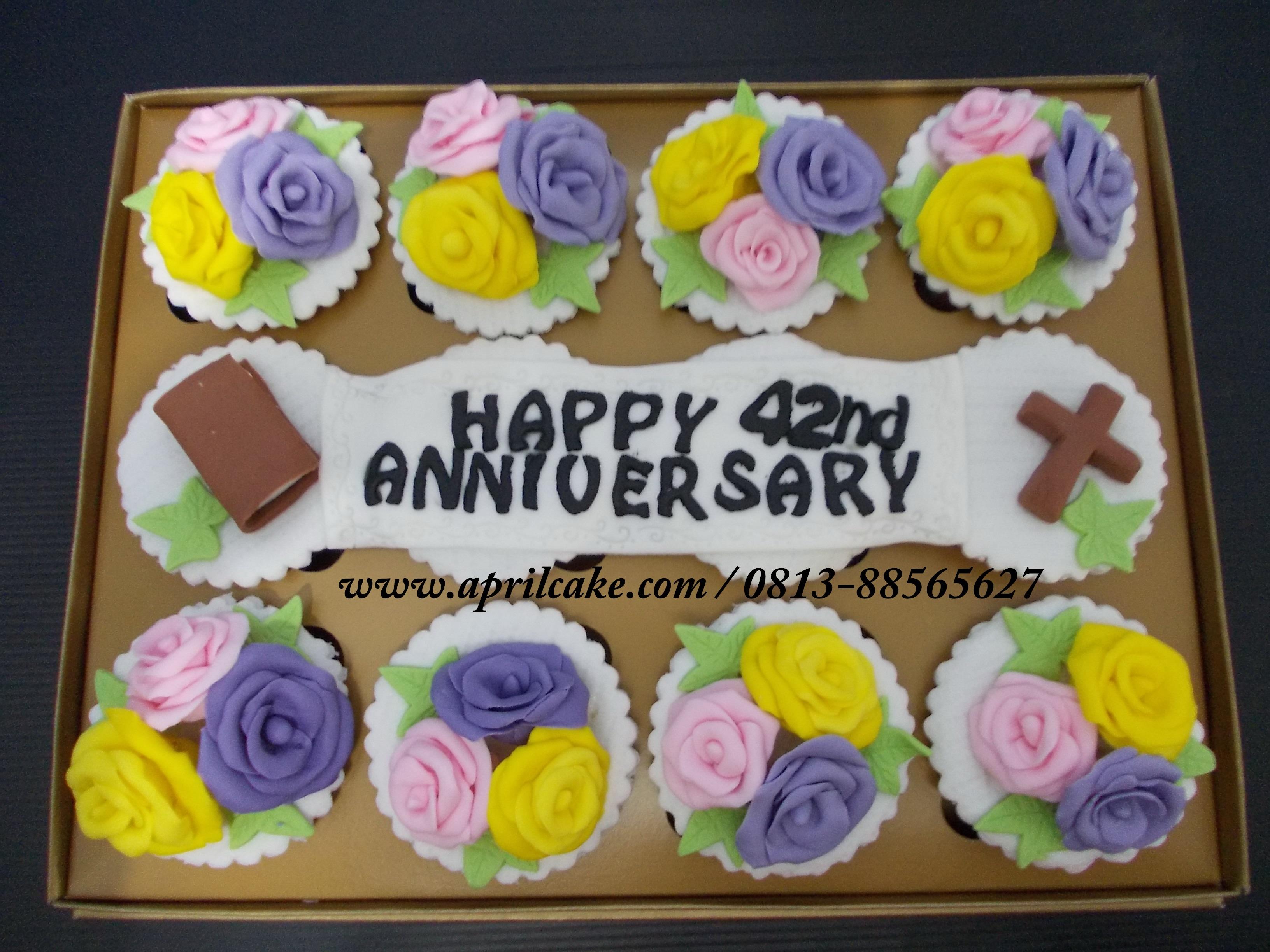 Anniversary cupcake Mery