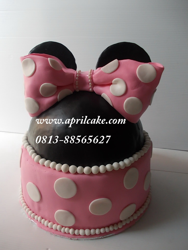 Minnie Mouse Cake Ailsa