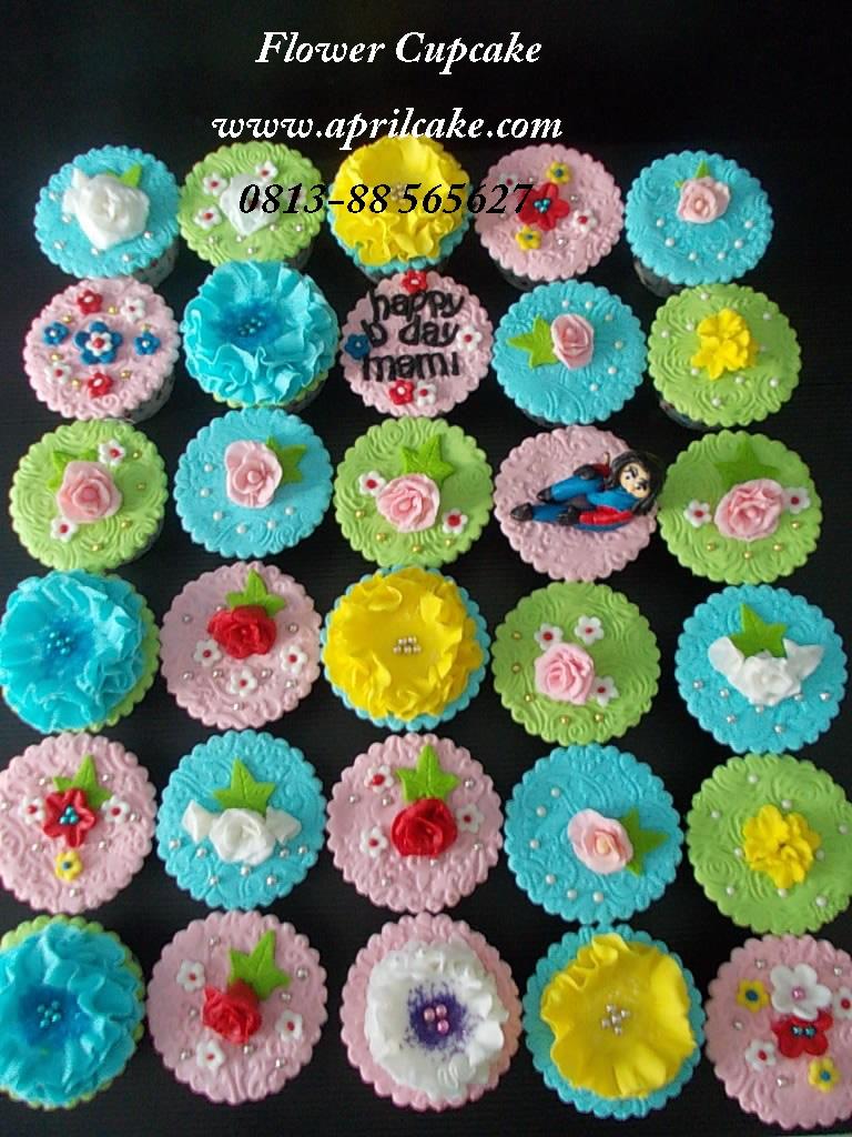 Flower Cupcake Anne